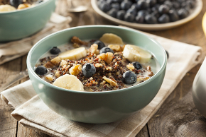 granola cereal mix with fruits